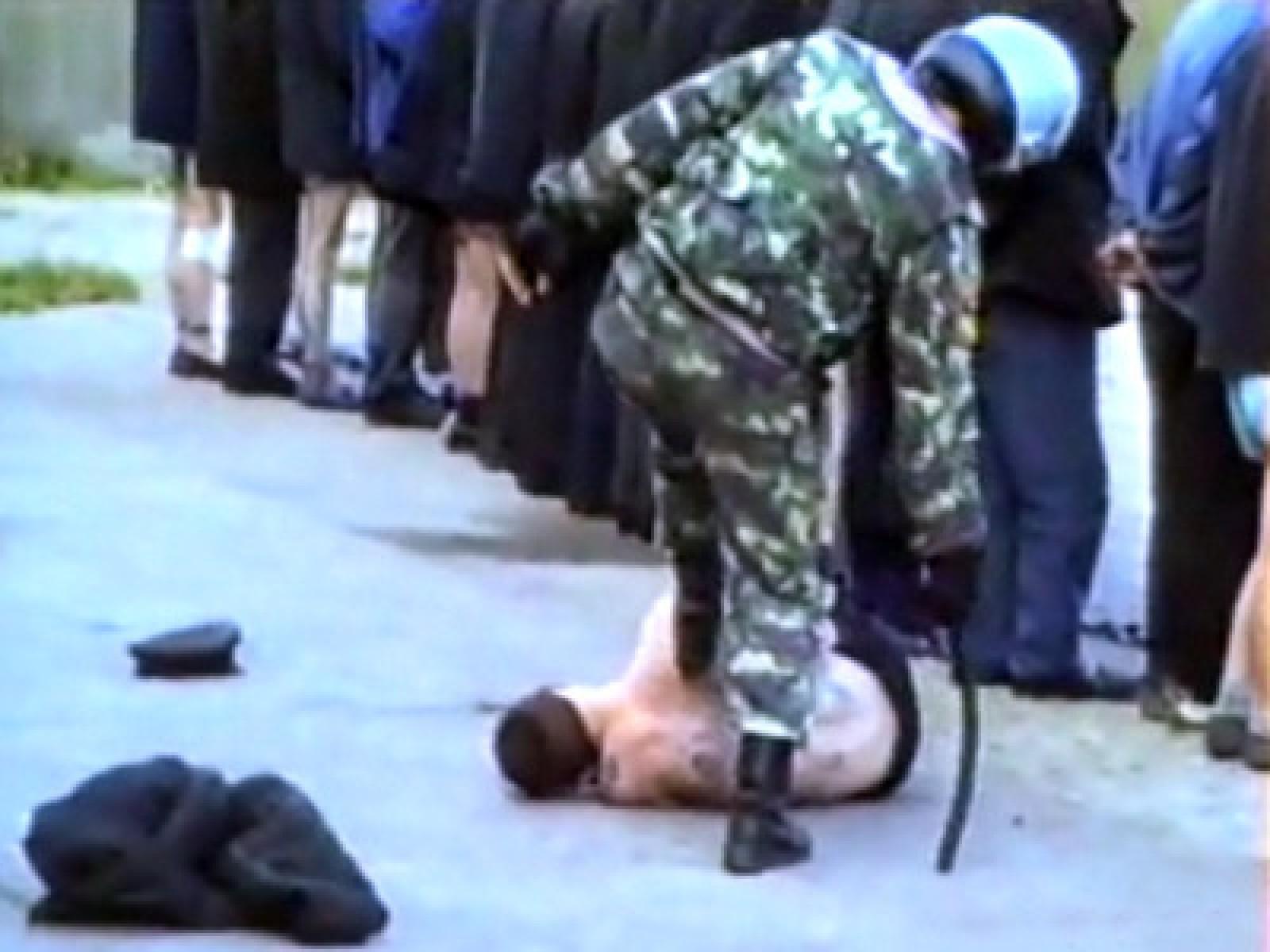 Фото как убивают зека